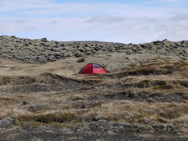 Namiot na odludziu-widok normalny latem