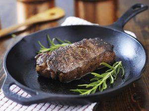 usmażone mięso stek rib-eye